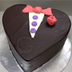 GF0339-tuxedo chocolate cake