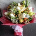 GF0614-tulip hand bouquet delivery