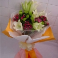 QF0013-Lilies Hand Bouquet