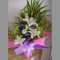 QF1183-white lilies hand bouquet