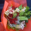 QF1206-Roses With Lilies Hand Bouquet